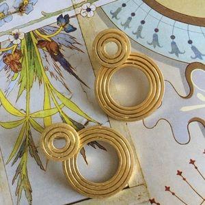 madewell   etched interlock earrings